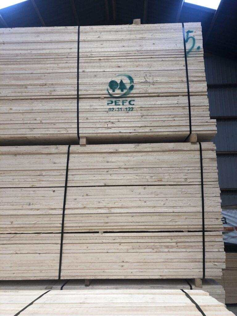Nordic Seashell udebruseren anvender PEFC-certificeret træ fra Finland. Bearbejdet af Østerlars Savværk på Bornholm